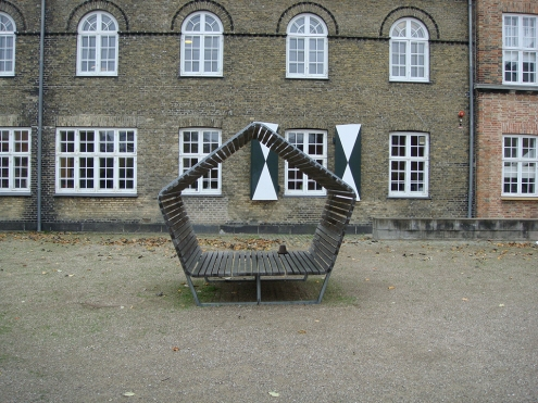 A pentagonal bench at the Royal Danish Academy of Architecture